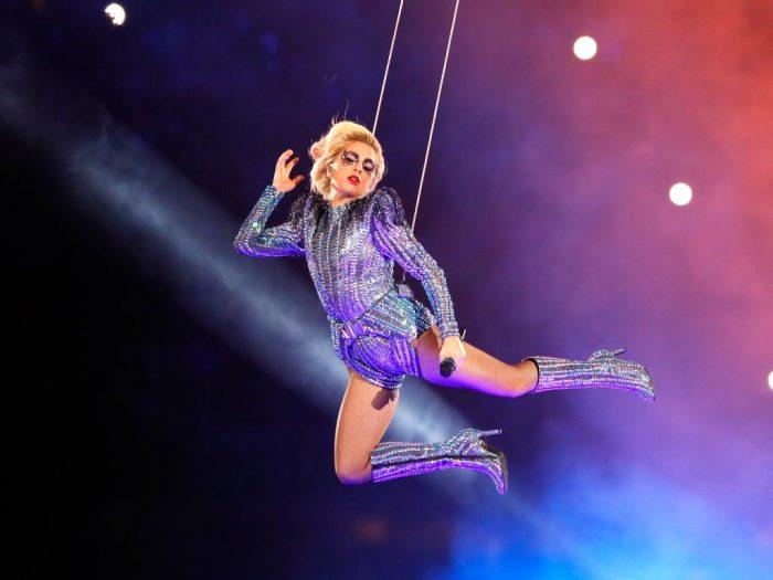 Lady Gaga - Watch her Superbowl haftime show